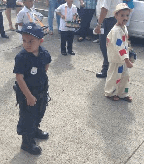 El Salvadore independance day parade hispanic heritage